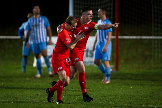 Binfield beat AFC Uckfield 4-0   Picture by Neil Graham